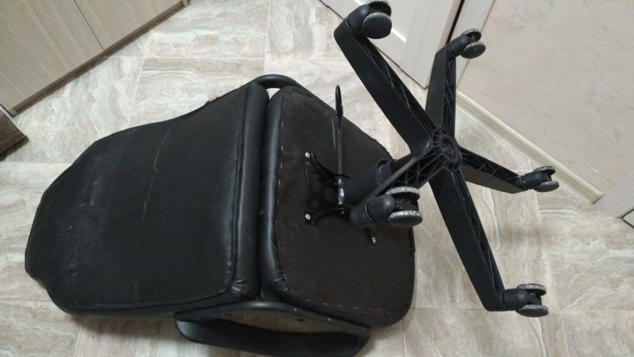 Ремонт компьютерного кресла: замена механизма качания