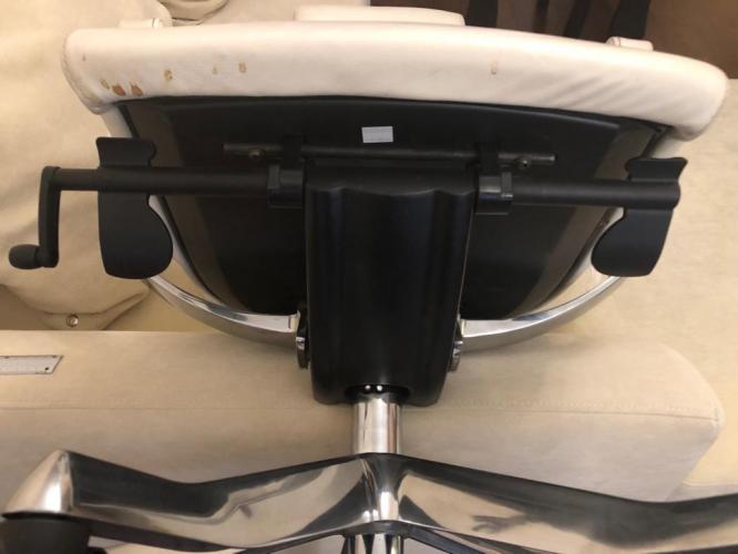 Ремонт компьютерного дизайнерского кресла