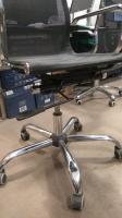 Ремонт семи компьютерных стульев на колесах