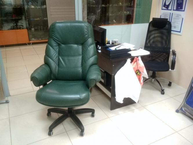 Ремонт кресла руководителя с заменой газлифта, крестовины и роликов